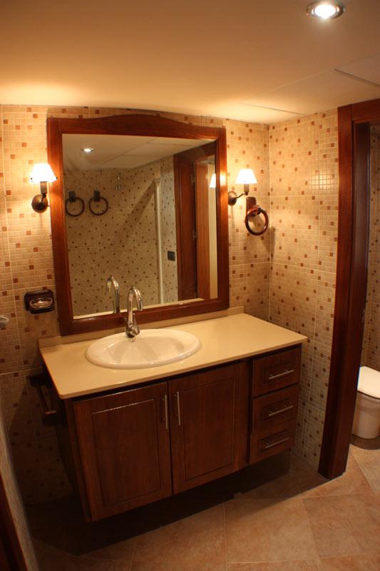 BATHROOM-BY-SWIMMING-POOLS-1 casa venta granada imagen