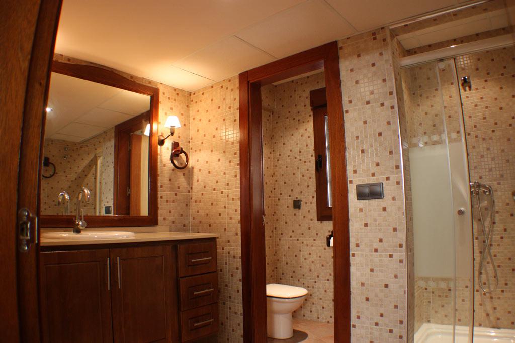 BATHROOM-BY-SWIMMING-POOLS-3 casa venta granada imagen