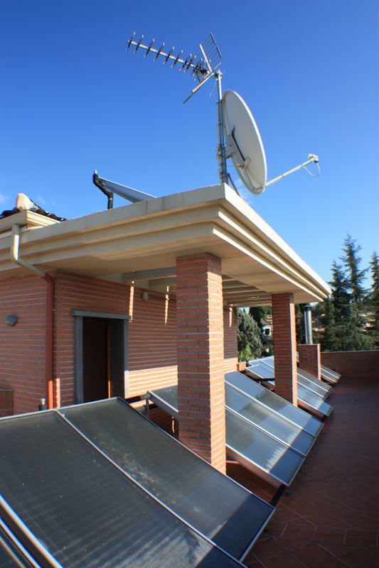 CHILLING-PLANT-AND-SOLAR-PANELS-4 casa venta granada imagen