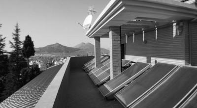 CHILLING-PLANT-AND-SOLAR-PANELS-BW casa venta granada imagen