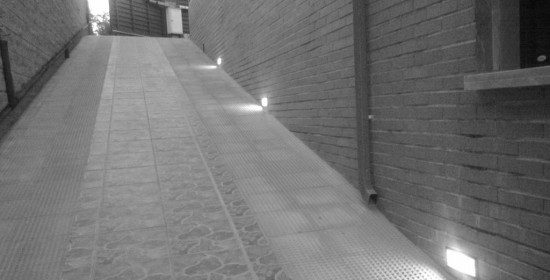 NORTH-RAMP-LIGHTS-ON-BW casa venta granada imagen