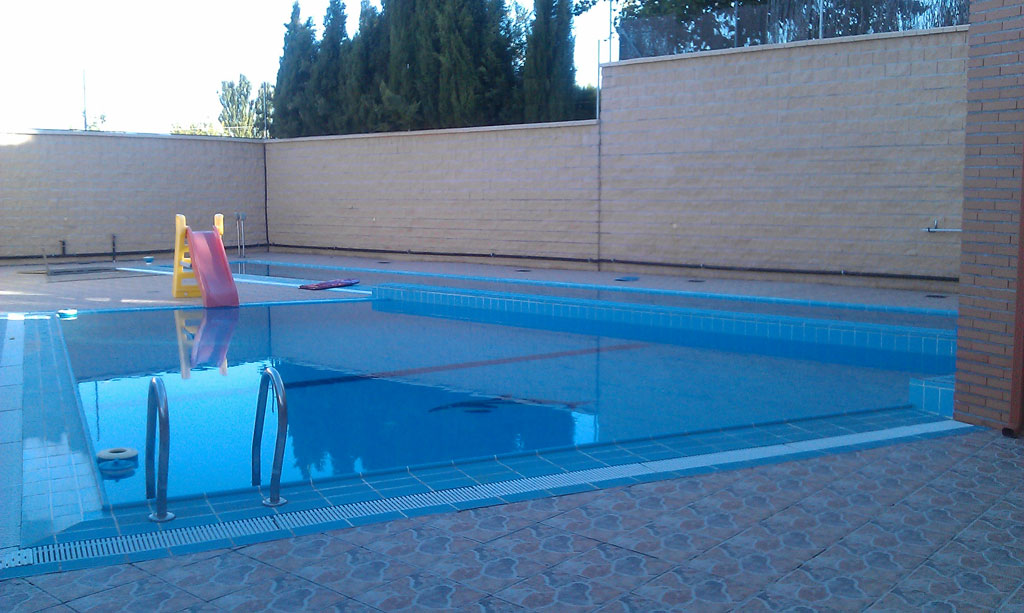RECREATION-POOL-FROM-SOUTHEAST-2 casa lujo venta granada imagen