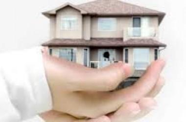casa en venta granada manos sujetando casa imagen